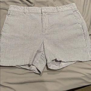 "Banana republic shorts 5"" inseam - 6"